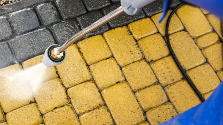 The Best Way To Clean Bricks